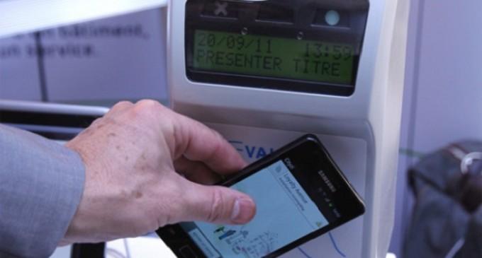 Madrid inicia las pruebas para acceder al transporte público mediante el móvil