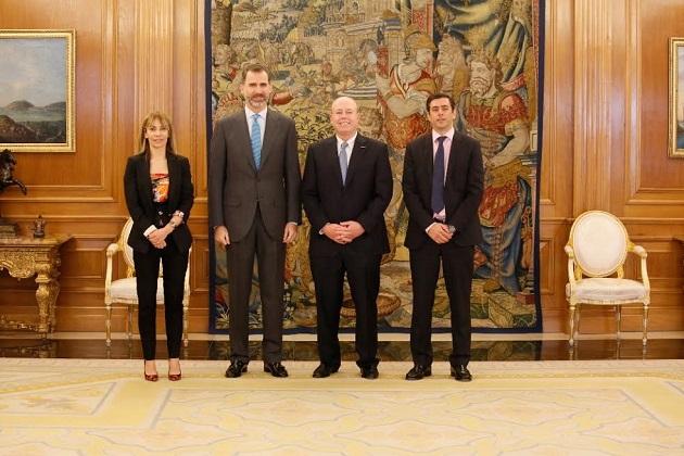 El Rey se reúne con el COO de Microsoft y con María Garaña