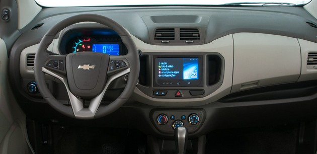 2013-chevrolet-spin-tecnologia-mylink