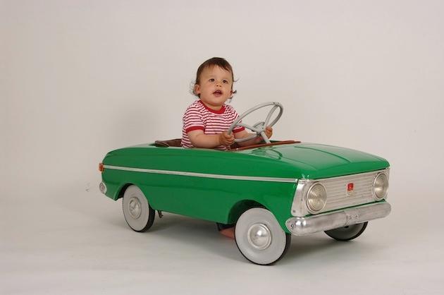 coche-a-pedales