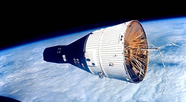 Bezos se enfrenta a Musk por la industria espacial