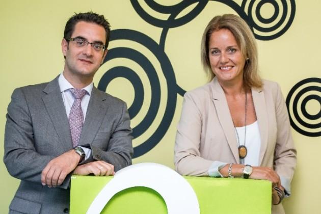 Julia Castrillo, directora de operaciones de Omnitel, y Luis Santamaría, director de ventas de Omnitel.