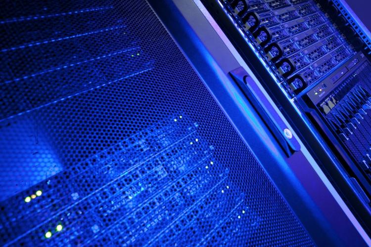 Qué beneficios aporta modernizar los servidores del centro de datos