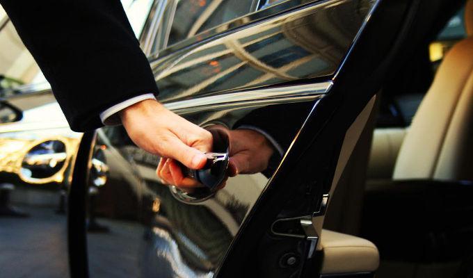 Uber paga 25 millones engañar clientes en precios y seguridad