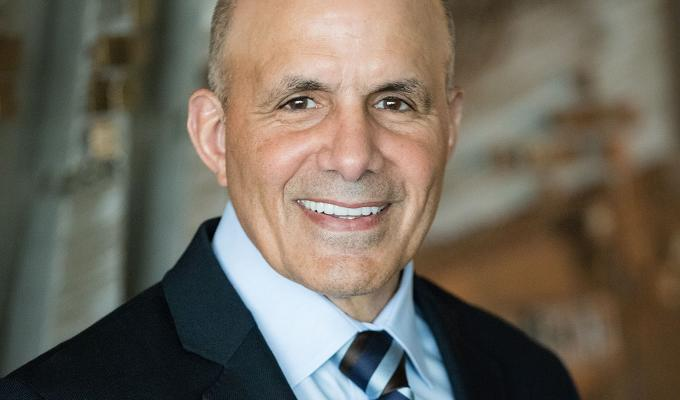 Avnet nombra nuevo CEO interino