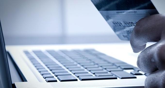 eCommerce: El 56% de ingresos de 2015 se quedaron en webs españolas