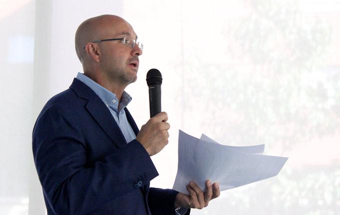 Javier Pérez Cortijo, de TPnet exponiendo el estudio Network On Demand