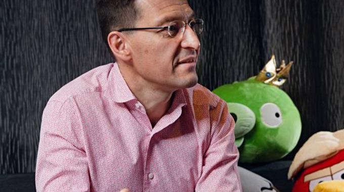 Nokia ficha a un ex-CEO de Rovio para resucitar su gama móvil