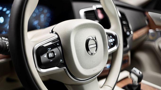Volvo y Uber se unen para desarrollar coches autónomos
