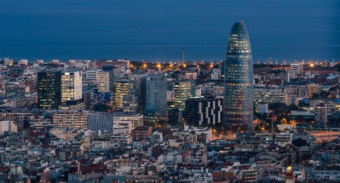 ¿España digital? A Dios rogando y con el mazo dando