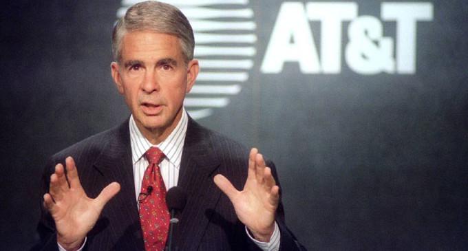Fallece Robert E. Allen, CEO de la época más convulsa de AT&T