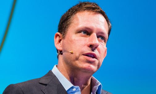 Peter Thiel reduce su participación en Facebook