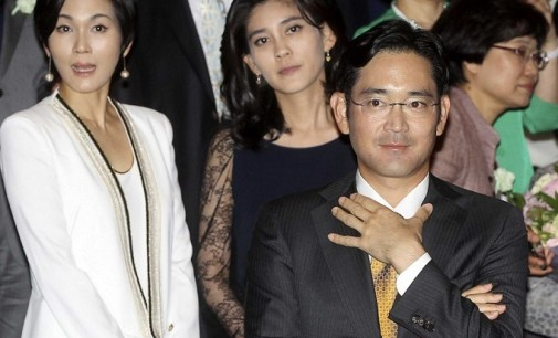 El vicepresidente de Samsung se libra de la cárcel (de momento)