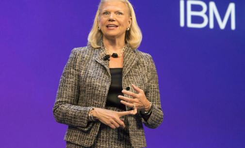 Los ingresos de IBM caen de nuevo, aunque sus previsiones anuales son optimistas