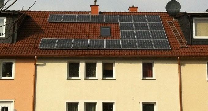 Cómo usar Blockchain para revender energía solar privada