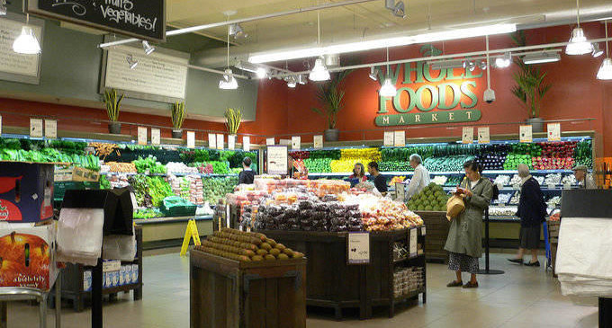 Amazon sale de compras: Whole Foods y (quizás) Slack
