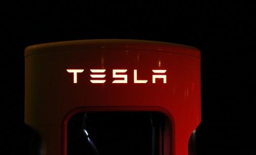 Tesla y AMD desarrollan un chip de Inteligencia Artificial para coches autónomos
