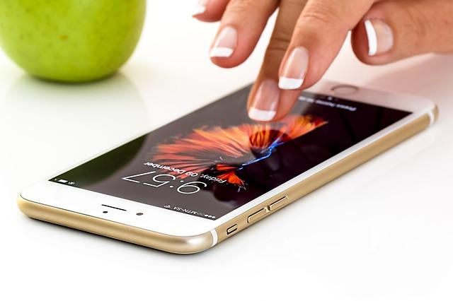 Los propietarios de un iPhone podrán desactivar la bajada de velocidad de terminales antiguos