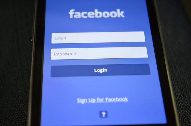 España, entre los países elegidos por Facebook para sus centros europeos de formación digital