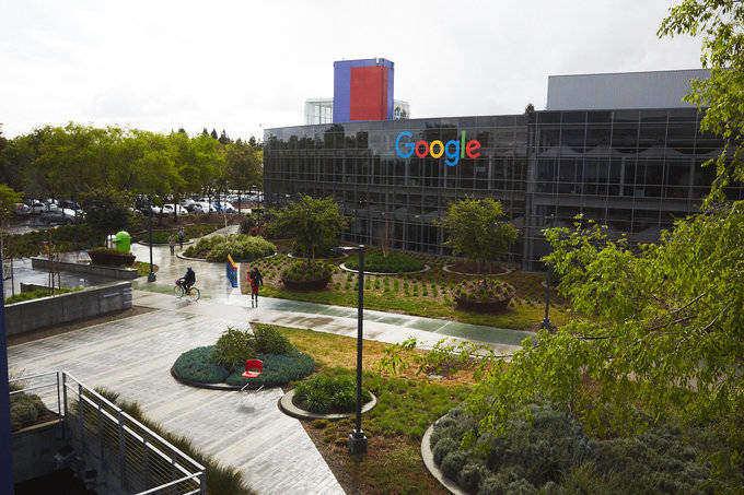 Alphabet, matriz de Google, bate otra vez su récord en bolsa: vale 800.000 millones