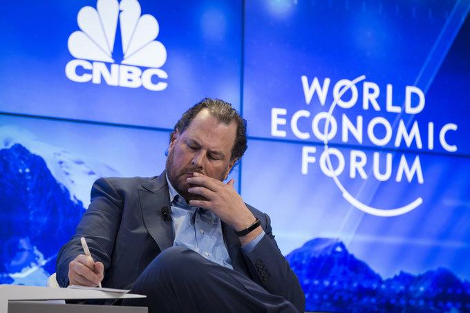 Marc Benioff CEO de Salesforce, cuestiona en Davos el estilo de liderazgo de Silicon Valley