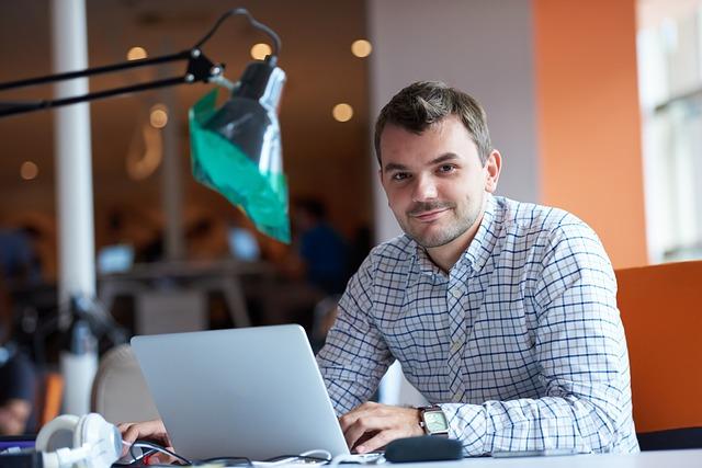 Dos tercios de las empresas aseguran que necesitan personal experto en ciberseguridad