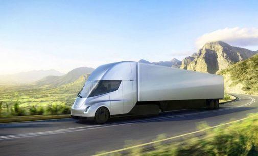 Así se construirán las primeras estaciones de recarga de los camiones Tesla
