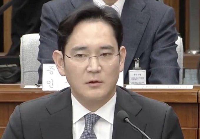 El heredero de Samsung, Jay Y. Lee, sale de la cárcel tras la suspensión de su sentencia