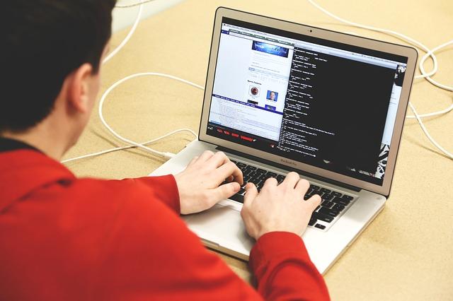 Un informe desvela que el 43% de los intentos de acceso a cuentas online son maliciosos