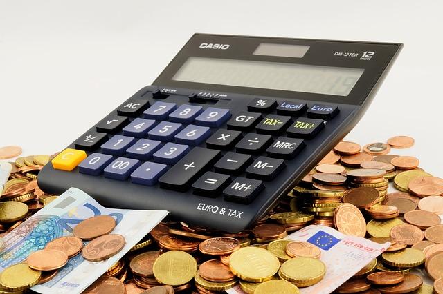 La Unión Europea quiere que las tecnológicas paguen hasta un 5% de sus ingresos en impuestos