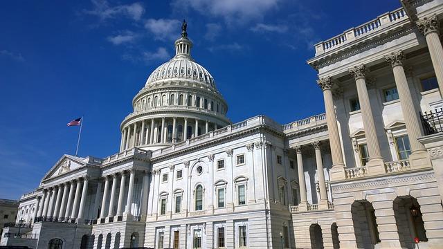 El Comité Judicial del Senado de EEEU llama a testificar sobre privacidad a Facebook, Google y Twitter