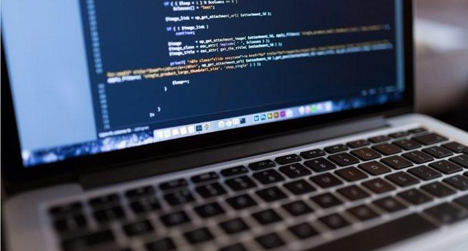 Los desarrolladores adoran los nuevos lenguajes, pero utilizan otros para trabajar