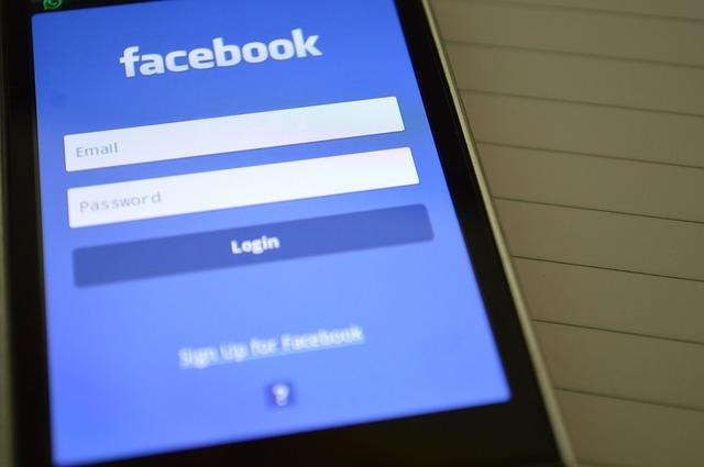Facebook niega las acusaciones de que accedió a las llamadas de los usuarios sin permiso