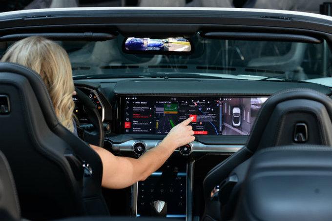 IBM presenta Watson Assistant, su asistente inteligente para la empresa, el hogar y el coche