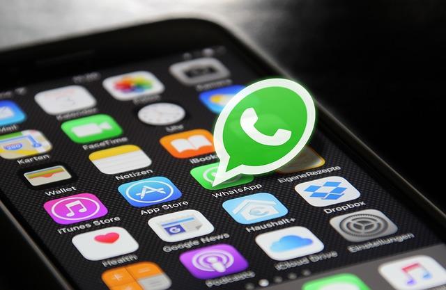 Whatsapp no compartirá datos con Facebook en Europa hasta que ambas no cumplan la GDPR