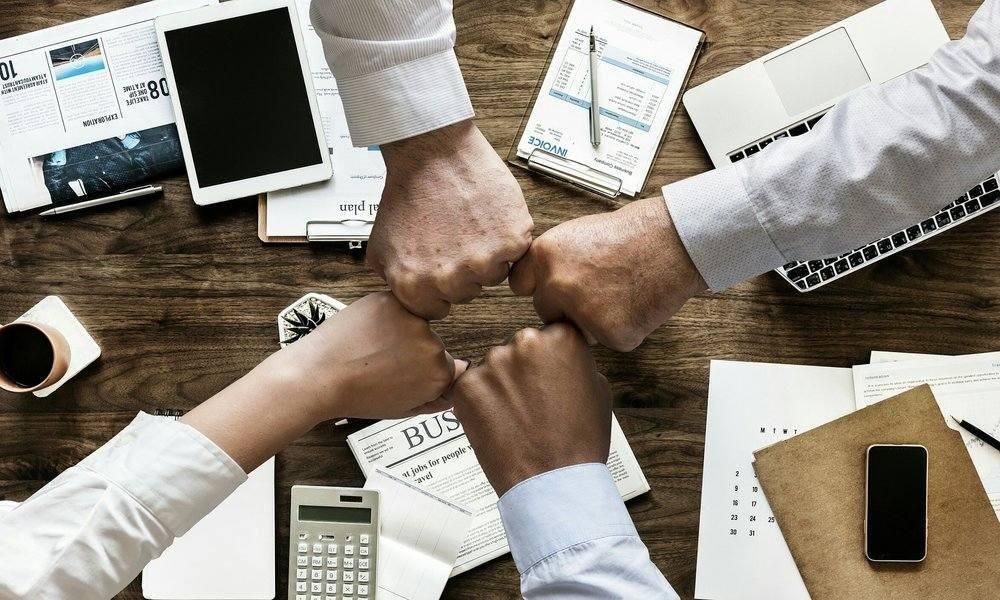 La colaboración entre startups y empresas de servicios, clave para la innovación