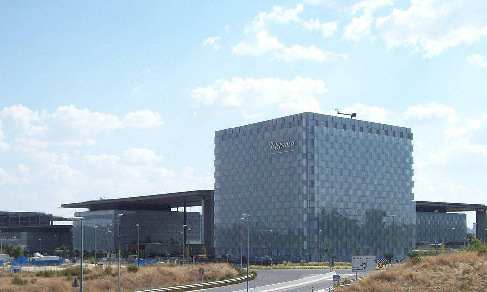 Telefónica, CaixaBank y El Corte Inglés, compañías que más aportan a la digitalización en España