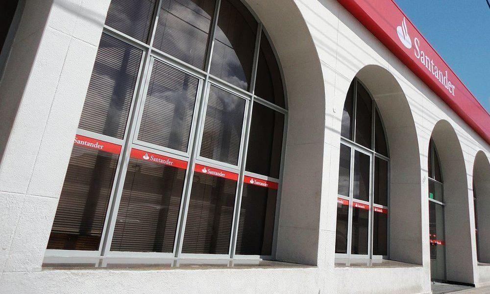 Los empleados del Banco Santander no tendrán que responder emails y llamadas fuera del trabajo