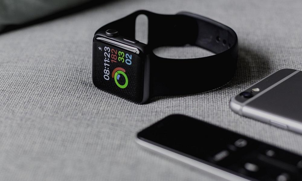 El Apple Watch es favorito, pero Samsung y Fitbit lo amenazan: estudio