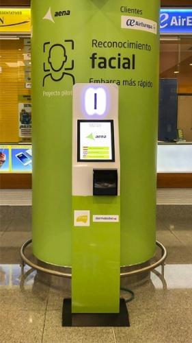 Quiosco de registro biometrico - Aeropuerto Menorca