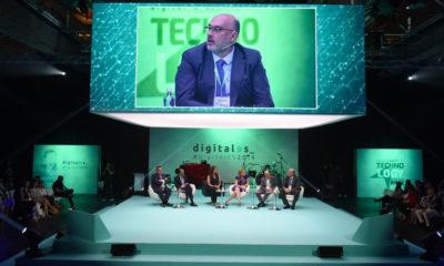 Presidente de Telefónica pide regulación para que el sector de las telecomunicaciones sea sostenible