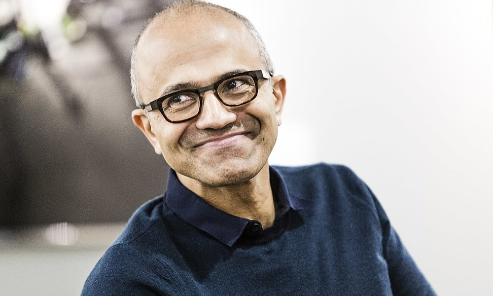 Microsoft sube el sueldo a Satya Nadella por sus logros y su liderazgo estratégico