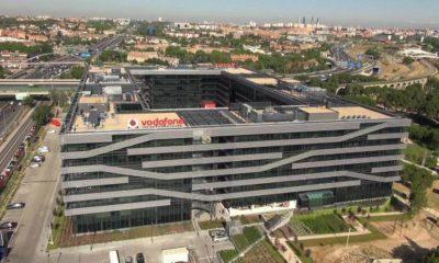 Los ingresos por servicio de Vodafone España bajan un 8%
