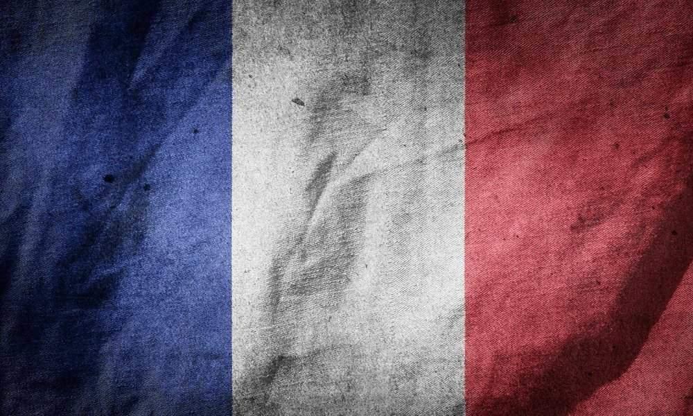 Estados Unidos amenaza con aranceles del 100% a productos franceses por la tasa digital