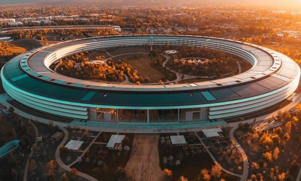 Empleados de Apple y Google de EEUU encuentran dificultades para teletrabajar