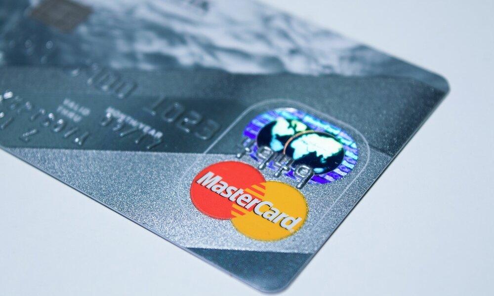 Mastercard y PayPal traen Instant Transfer a España y dan más posibilidades a las tarjetas de débito