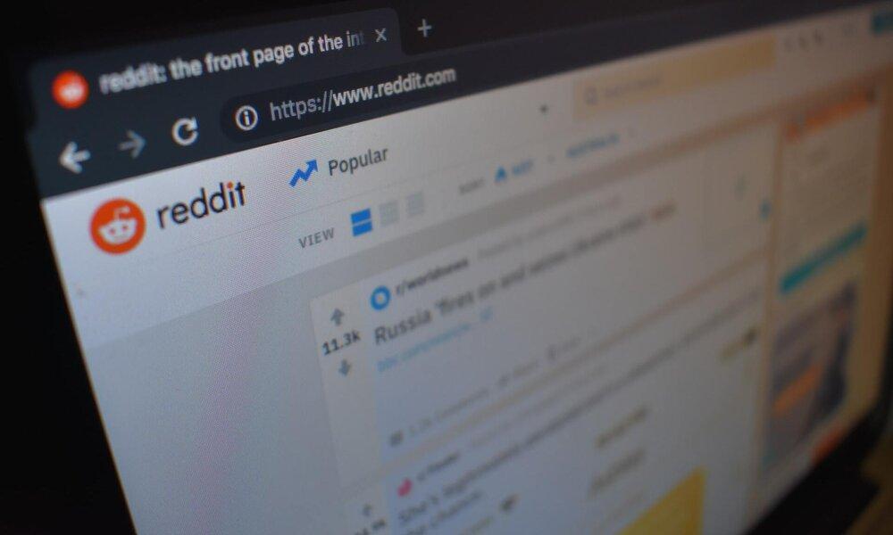 Reddit dejará a sus empleados trabajar desde cualquier lugar, y no bajará sus sueldos