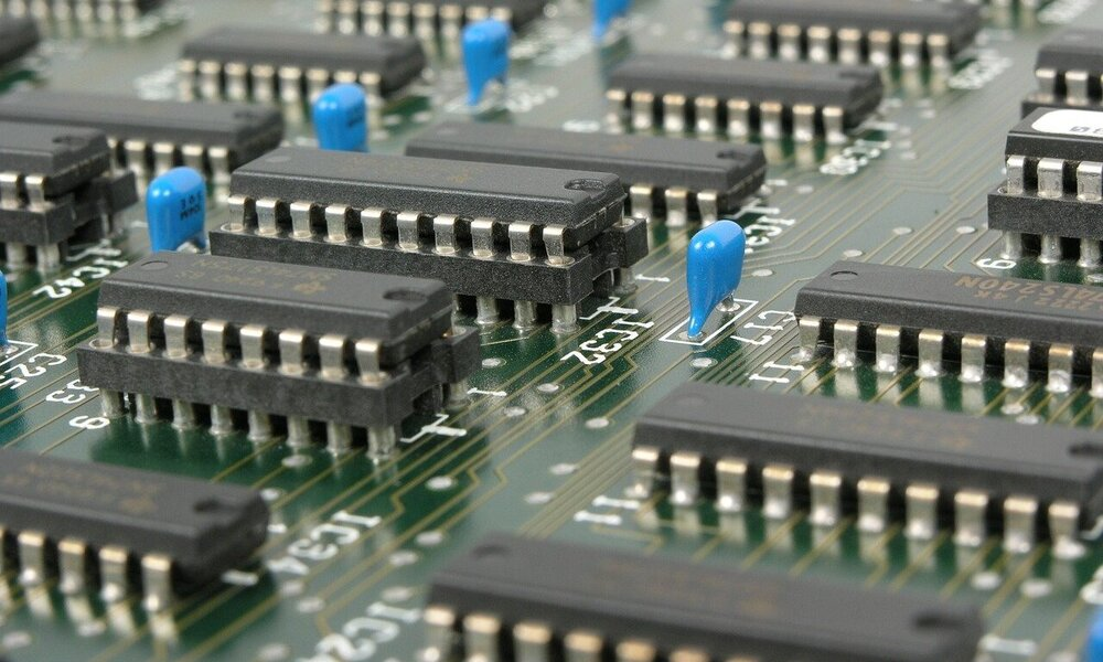 La UE valora acordar con TSMC y Samsung abrir una fábrica de semiconductores en Europa