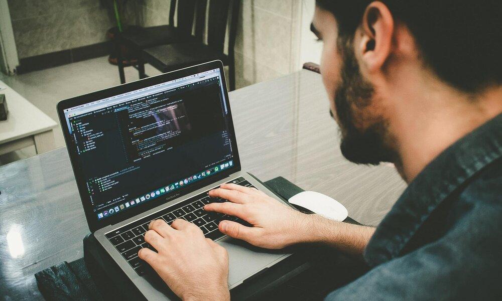 Google desvela el lenguaje de programación Logica, que facilitará el trabajo con SQL