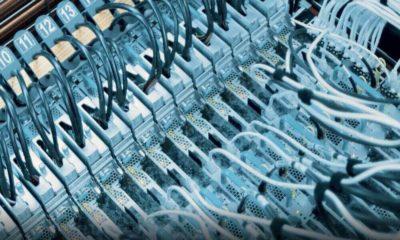 Microsoft prueba otro sistema de refrigeración para sus servidores: sumergirlos en un líquido especial